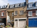 Townhouse to rent in London