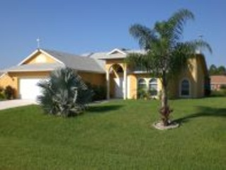 Holiday house to rent in Lehigh Acres